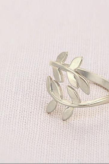Bay Leaf Knuckle Ring Silver - Laurel Leaf Ring - Leaf Jewelry - Finger Ring - Adjustable Ring Band - Leaf Accessories