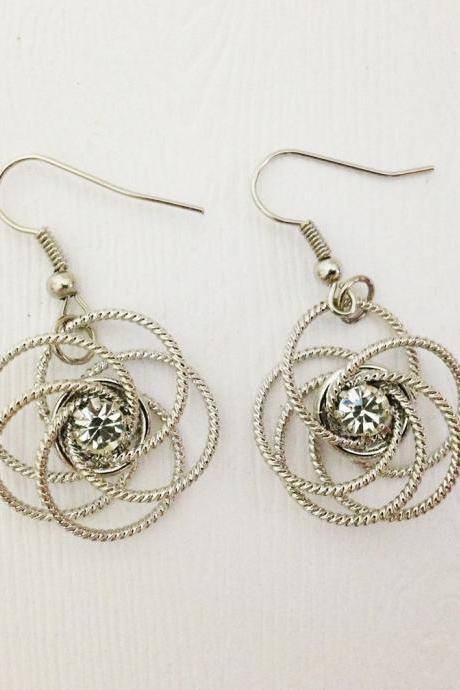Wire Flower Dangle Earrings - Flower Earrings - Wire Earrings - Flower Jewelry - Flower Accessories